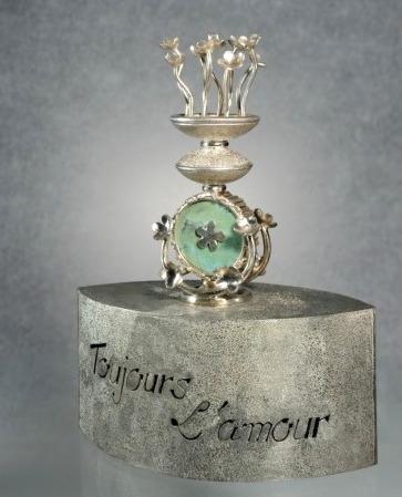 Patricia LEMAIRE- 'Toujours l'amour' - socle et suspension maillechort, argent, turquoise
