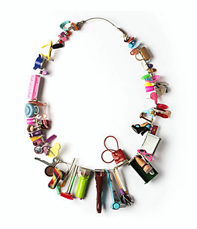 retour_en_enfance - Carole Deltenre necklace 2008 mixed media
