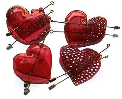 gulnur OZDAGLAR -I love you as much as I love the world - heart brooches