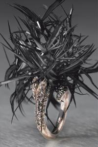 Lemarié - Bague 'Oursin', plume d'oie, argent et strass - par Eric-Charles Donatien.jpg