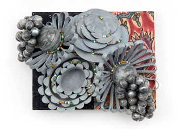 LUCY SARNEEL - broche 'ode to Marken' 2008 zinc, antique glass beads, textile