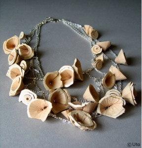 Ludivine Huteau - bijoux 'UTO' Collier gomme et argent, série Hanami