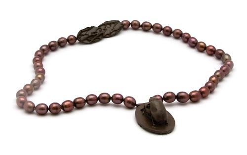Marta HRYC (eleve Jorge Manilla)  - FRESH MEAT pearls silver.jpg