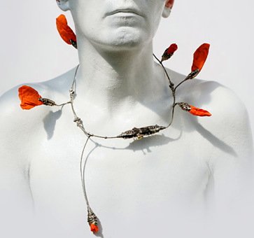 MI-MI MOSCOW- necklace 'Poppy' 2003 melhior, paper