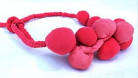 silvina romero - buenos Aires -textile necklace
