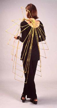 LAM de Wolf- Sieraad Draagbaar object, , textiel, hout, 1981