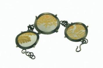 Argiris AGGELOPOULOS (GR) bracelet - oxidised silver, textile